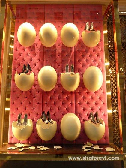 Mağaza Vitrin Dekorları - Yumurta Konsepti